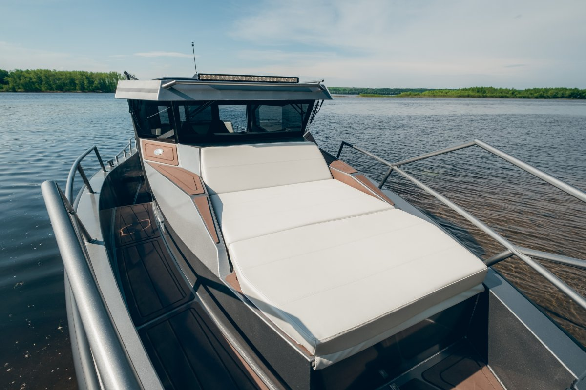 Spradling Silvertex soft cushions on the fore and aft decks
